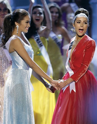 First Runner-up, Janine Tugonon with 2012 Miss Universe winner Olivia Culpo of the USA